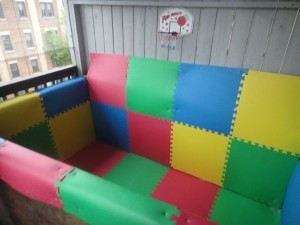 253863 855670114791 172007847 43711673 7458110 n 300x225 How To Build A Ball Pit   ON YOUR BALCONY